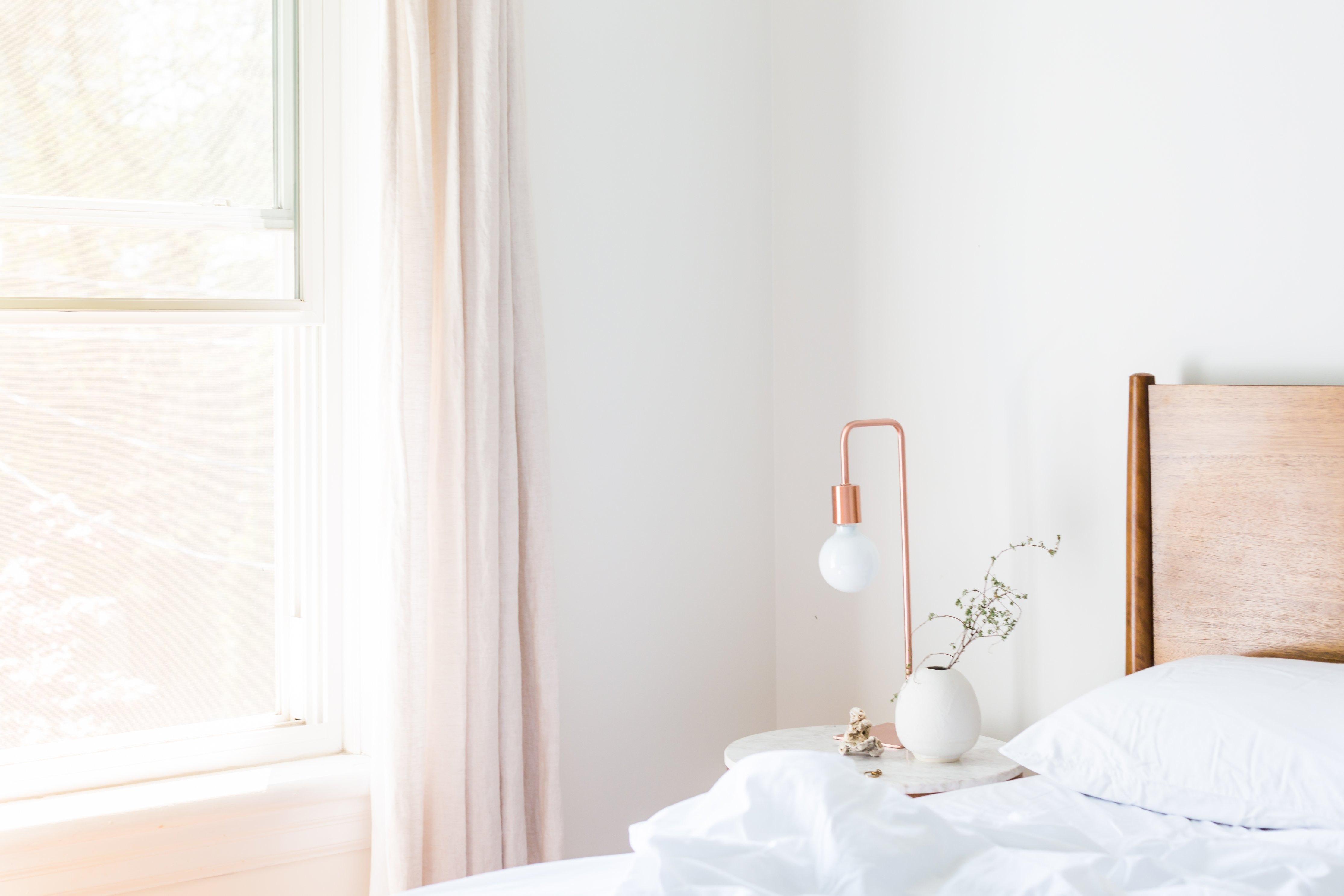 Stilrent inrett sovrum
